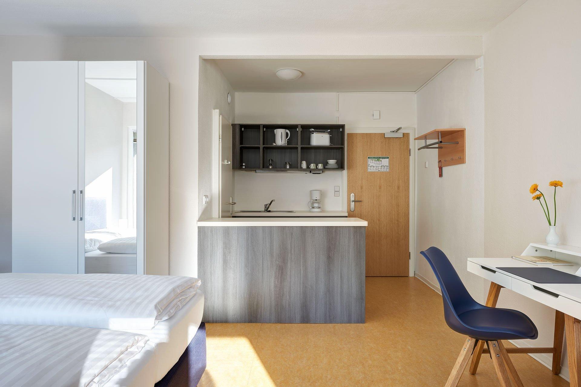 Unser Komfortzimmer mit Balkon und Kitchenette